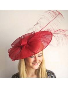Chapeau Tiffany - Location Chapeau Mariage rouge plume - L'Ancolie Chapeaux - Comptoir Doré