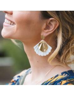 Boucles d'oreilles Circé - boucles d'oreilles coquillage nacre  - Mathilde Forget - Comptoir Doré